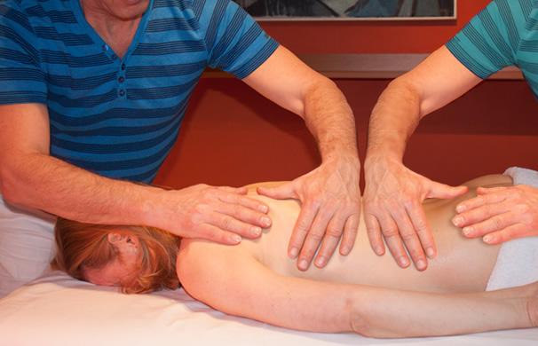 4 handen massage – geeft ontspanning en is bijzonder